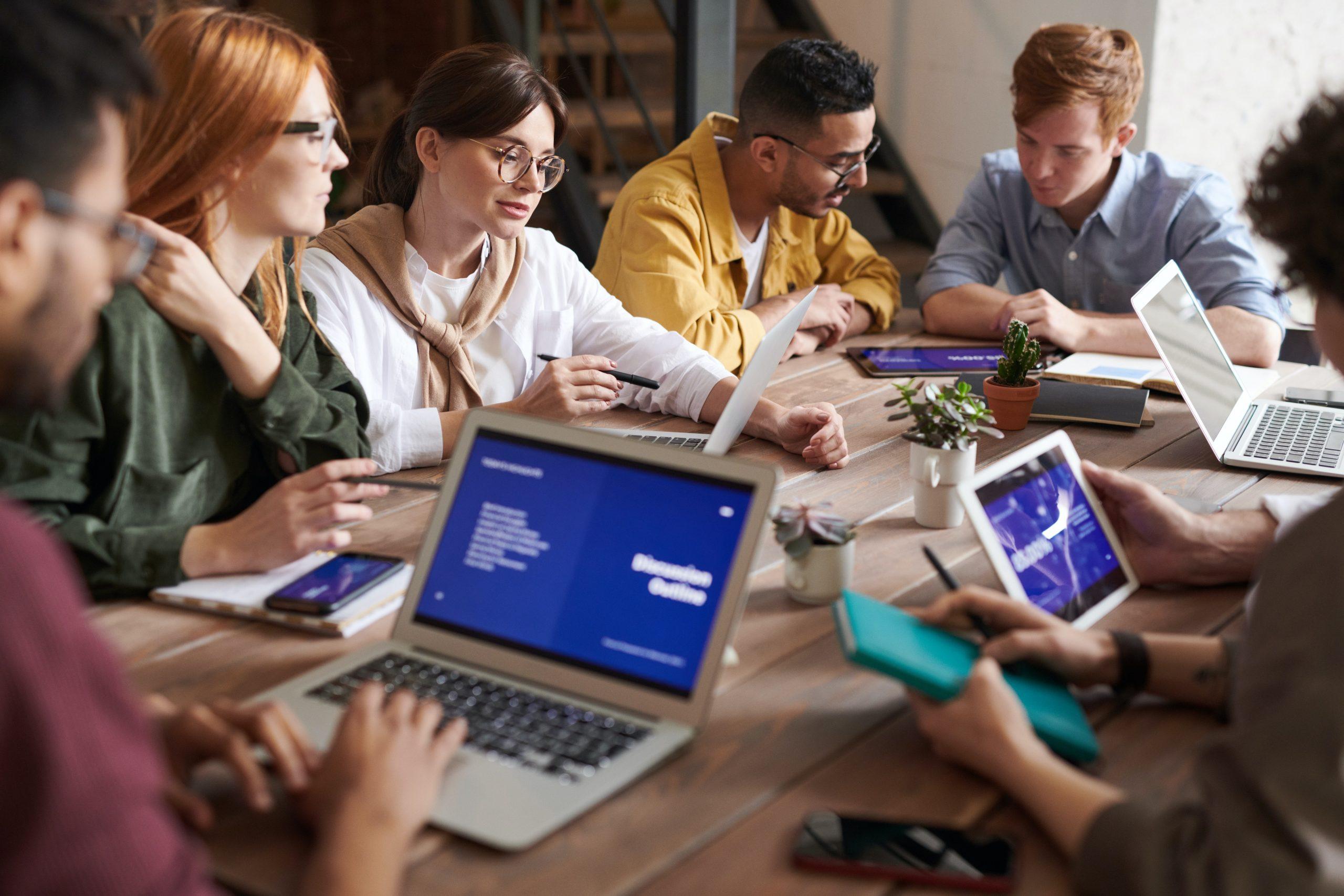 Empresa praticando planejamento organizacional